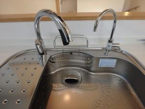 ハンズフリー水栓